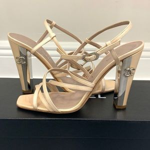 CHANEL CC mirror heel
